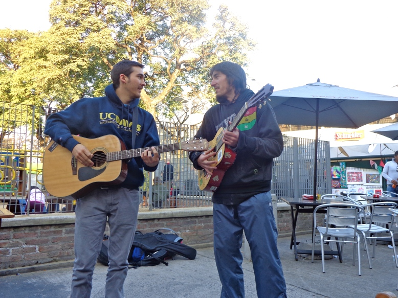 Meeting & playing with street musicians on our 1st day in BA